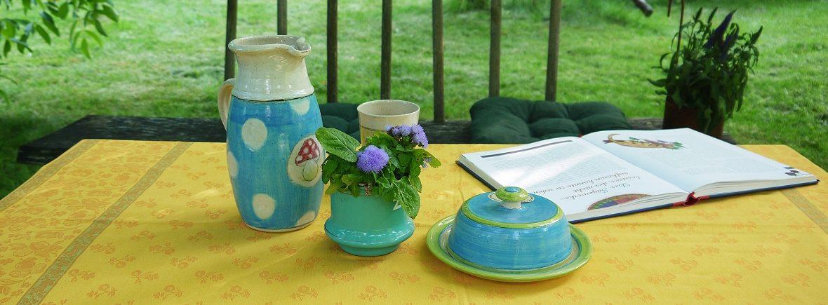 Gedeckter Tisch auf der Terrasse im Grashöfle